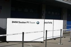 BMW Sauber F1 Team, pit garajı