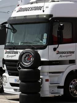 Slick Bridgestone lastiğis