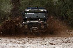 #21 JoeVito Land Rover Defender 90: Panos Meyer and Birger Veit