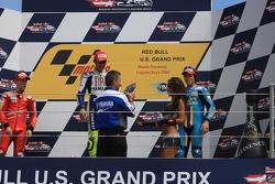 Podio: ganador de la carrera Valentino Rossi, segundo lugar Casey Stoner, tercer lugar Chris Vermeulen