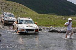 #1 Team USA Porsche Cayenne S Transsyberia: Ryan Millen et Colin Godby, #10 Team Germany 1 Porsche Cayenne S Transsyberia: Armin Schwarz et Andreas Schulz
