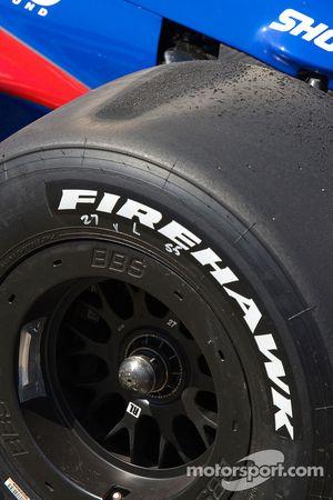 Flat spots on the tires of Hideki Mutoh