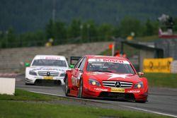 Gary Paffett, Persson Motorsport AMG Mercedes, AMG-Mercedes C-Klasse, leads Jamie Green, Team HWA AMG Mercedes, AMG Mercedes C-Klasse