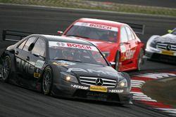 Paul di Resta, Team HWA AMG Mercedes, AMG Mercedes C-Klasse, leads Gary Paffett, Persson Motorsport