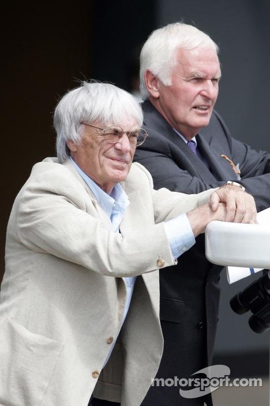 King George VI ve Queen Elizabeth Stakes Day, Crystal Palace, Ascot, England: Bernie Ecclestone, Baş