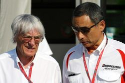 Bernie Ecclestone y Hiroshi Yasukawa, Bridgestone