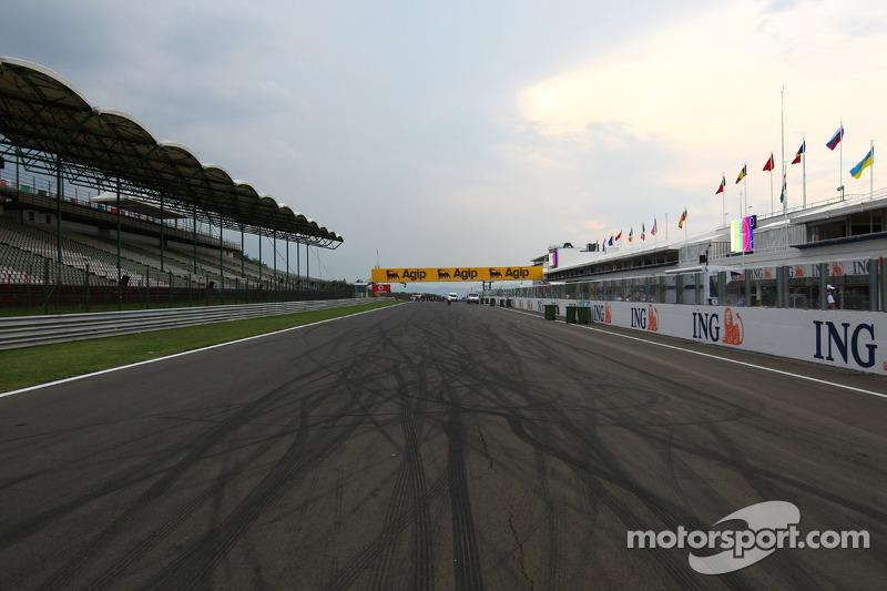 Circuito Hungria : El circuito hungaroring at gp de hungría fórmula fotos