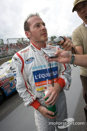 Jacques Villeneuve provisional pole winner after his qualifying run