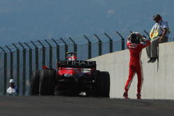 Felipe Massa, Scuderia Ferrari, F2008, valt aan het einde van de race uit met een kapotte motor