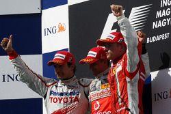 Podium : le vainqueur Heikki Kovalainen, le second Timo Glock, le troisième Kimi Raikkonen