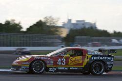 #43 Team Sahlen Corvette: Joe Nonnamaker, Wayne Nonnamaker, Will Nonnamaker
