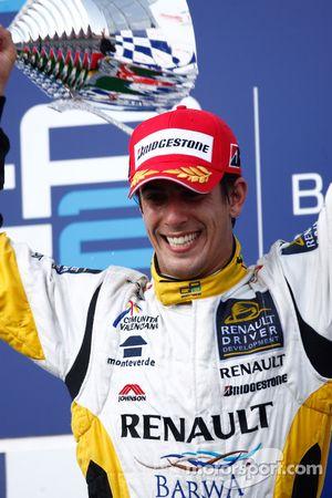 Lucas di Grassi célèbre sa victoire sur le podium