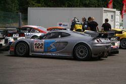 Parc fermé: #122 David Jones Ascari KZ1R: David Jones, Godfrey Jones, Mike Jordan