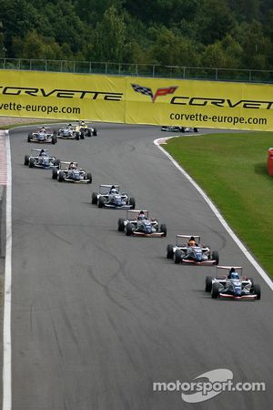 Formul'Academy Euro Series: first lap, at Stavelot