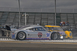 Start: #91 Bob Stallings/ Riley-Matthews Pontiac Riley: Marc Goossens, Jim Matthews and #47 Doran Racing Ford Dallara: Burt Frisselle, Ricky Taylor crash