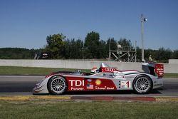 #1 Audi Sport North America Audi R10 TDI: Emanuele Pirro, Marcel Fässler