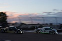 #59 Brumos Racing Porsche Riley: Joao Barbosa, JC France, #61 AIM Autosport Ford Riley: Brian Frisselle, Mark Wilkins