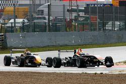 Yann Clairay SG Formula Dallara-Mercedes; Jaime Alguersuari Carlin Motorsport Dallara-Mercedes