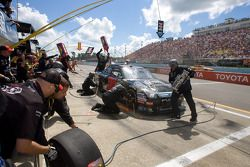 Pit stop for David Gilliland