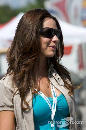 The lovely wife of Jonathan Bomarito