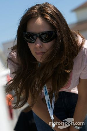 Jonathan Bomarito's lovely wife watches the end of qualifying