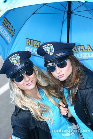 Las encantadoras chicas Rizla