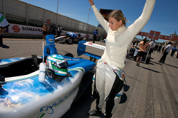 Simona De Silvestro stretches before the race