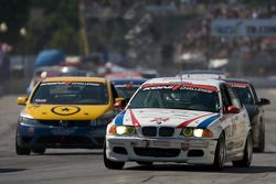 V-Pack Motorsport BMW 330 : Zach Arnold, Sam Schultz