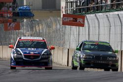 #31 i-MOTO Racing Acura TSX: Glenn Bocchino, Peter Cunningham and #33 Kinetic Motorsports BMW 330: L