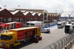 Valencia Circuit preparations, pit straight