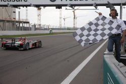 #2 Audi Sport Team Joest Audi R10 TDI: Alexandre Prémat, Mike Rockenfeller takes third place