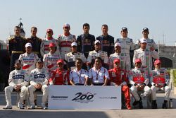 Drivers group photo, Bridgestone 200th Grand Prix