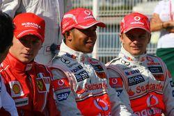 Kimi Raikkonen, Scuderia Ferrari, Lewis Hamilton, McLaren Mercedes and Heikki Kovalainen, McLaren Me