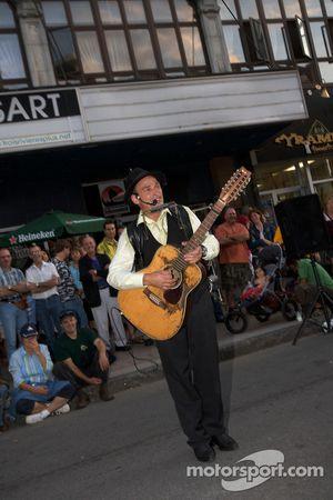 Street performer in Trois-Rivières