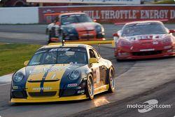 #1 Porsche 911 GT3: Randy Pobst
