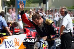 Sebastian Vettel celebrates 6th place