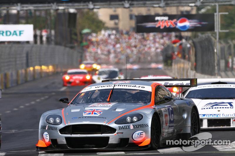 #10 Gigawave Motorsport Aston Martin DBR9: Philipp Peter, Allan Simonsen, Andy Thompson