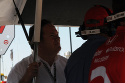 Chip Ganassi watches Scott Dixon qualifying
