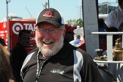 Le père de Scott Dixon heureux de la pole position de son fils