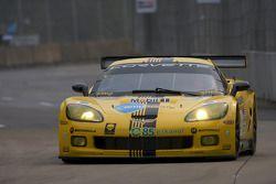 #4 Corvette Racing Chevrolet Corvette C6R: Olivier Beretta, Oliver Gavin