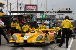 #6 Penske Racing Porsche RS Spyder: Ryan Briscoe, Patrick Long on pitlane