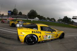 #4 Corvette Racing Chevrolet Corvette C6R: Olivier Beretta, Oliver Gavin heads to track as the sessi