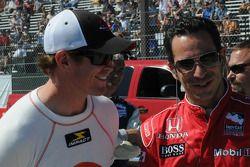 Scott Dixon et Helio Castroneves en train de rire