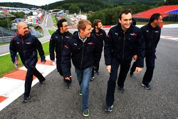 Sebastian Vettel, Scuderia Toro Rosso camina en la pista