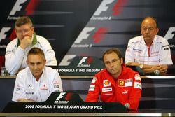Conferencia de prensa FIA: Director del equipo Ross Brawn, Honda Racing F1 Team, John Howett, Toyota
