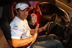 Timo Glock, Toyota F1 Team en un Toyota IQ