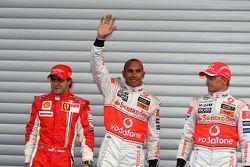 Ganador de la pole Lewis Hamilton, McLaren Mercedes, segundo lugar Felipe Massa, Scuderia Ferrari, t
