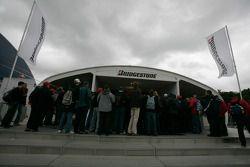 Le stand Bridgestone au village F1