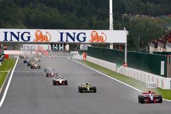 Bruno Senna en tête au début de la course