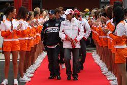 Timo Glock, Toyota F1 Team y Nick Heidfeld, BMW Sauber F1 Team